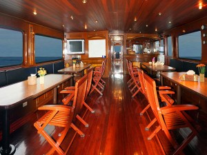 MV Hallelujah Dining Room & Salon